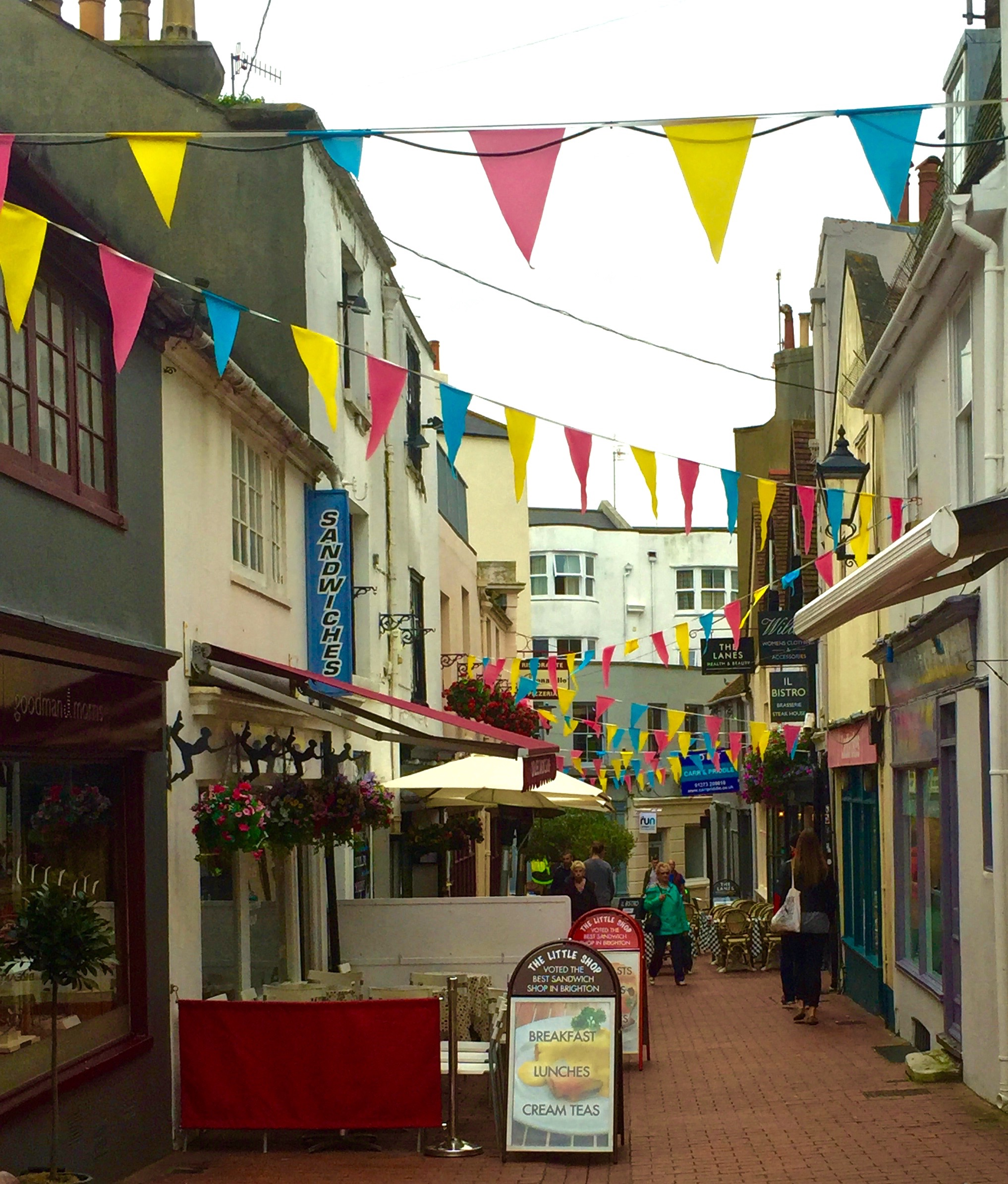 5 Fun Free Things To Do In Brighton, England - Home Behind - The ...